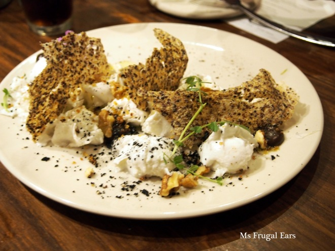 Buffallo mozzarella with quinoa crisps