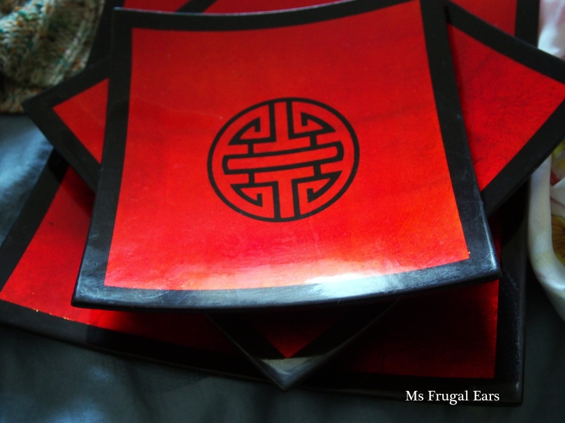 Red lacquer plate