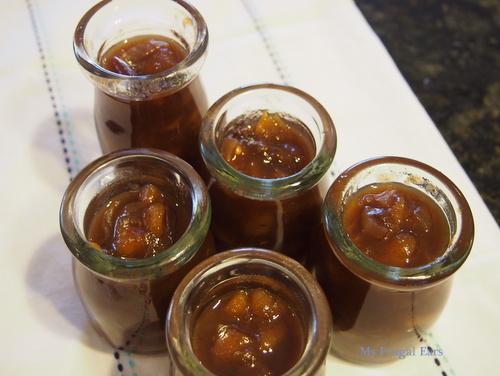 Five small jars of freshly made chutney