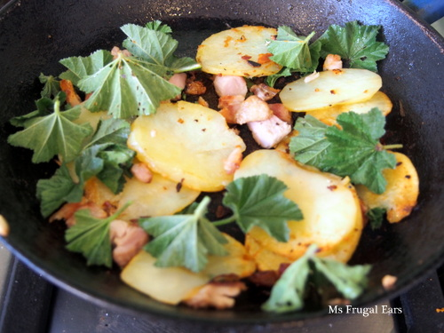 Potatoes, chicken and marshmallow greens