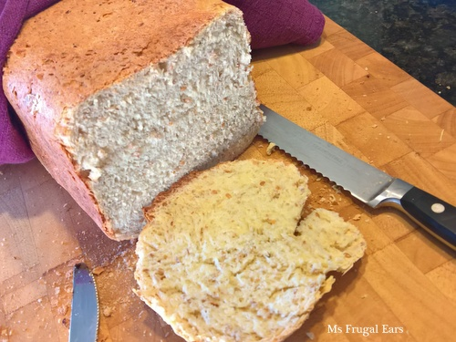Cut soy and linseed bread